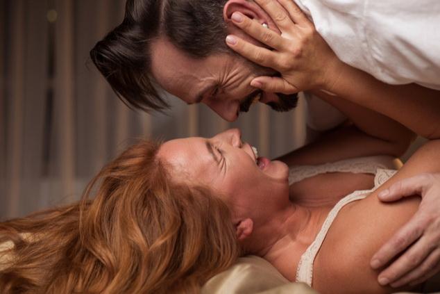 המיתוסים שתשמחו לנפץ- סקס בגיל המעבר (צילום: shutterstock By Olena Yakobchuk)