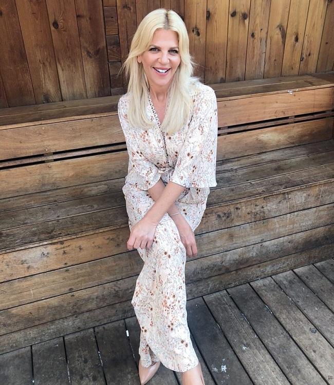 סנדרה רינגלר לובשת סבינה מוסיב מתוך עמוד הפייסבוק של המותג