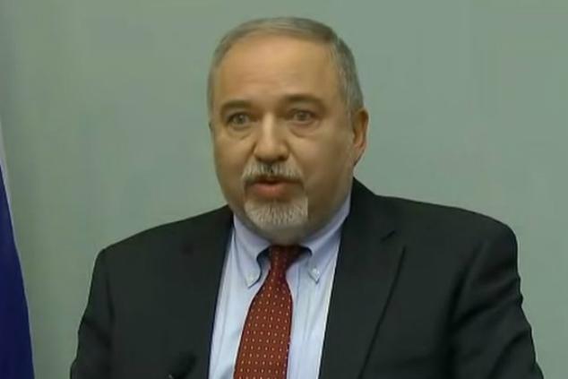"""אביגדור ליברמן: """"נתניהו הוא רק כדאיניק"""" (צילום מסך)"""