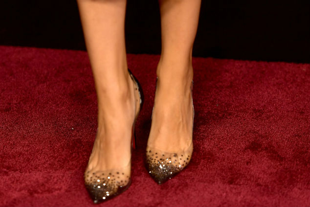 נעליים מילה קוניס צילום  Gregg DeGuire/Getty Images