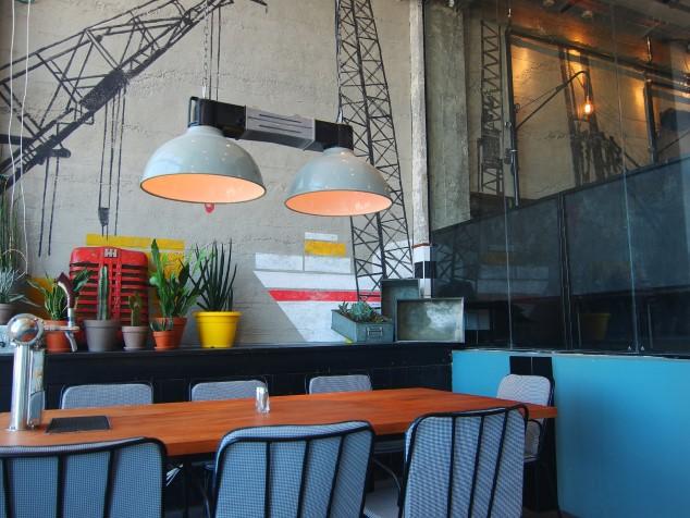 מסעדת המבורג סניף תא. צילום שחר טח
