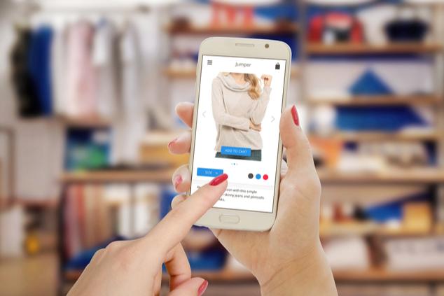 אנשים קונים  יותר ברשת ופחות בחנויות (שאטרסטוק / Stanisic Vladimir)
