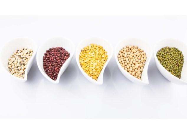 שעועית,אפונה, חומוס עשירים בסיבים תזונתיים (צילום: shutterstock By MAHATHIR MOHDYASIN )