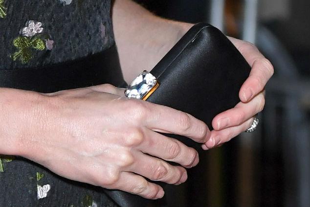 קלאץ' של קייט מידלטון צילום: Tang/WireImage