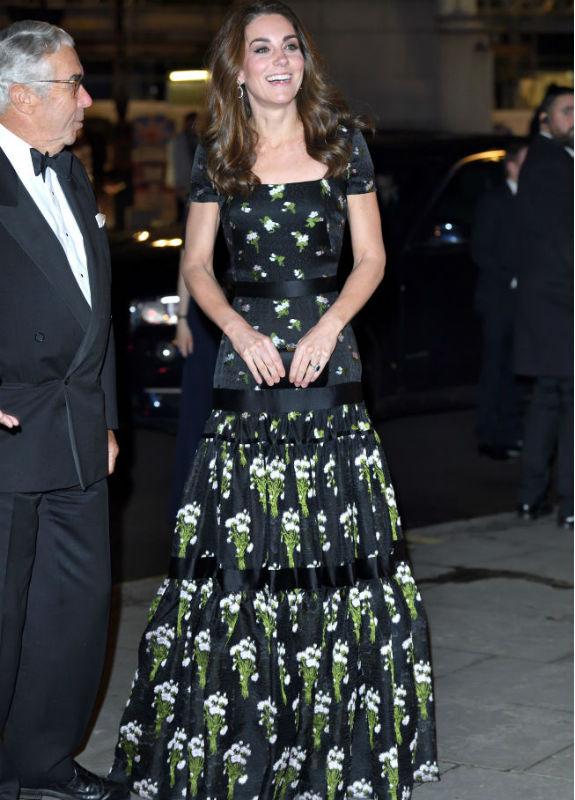 קייט מידלטון בשמלה אלכנסדר מקווין צילום Karwai Tang/WireImage)