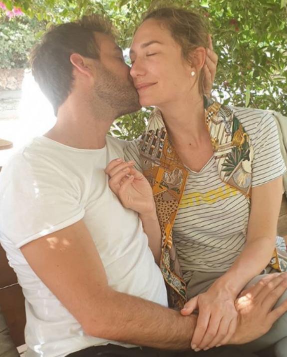 מיכל אנסקי עם בן זוגה צילום אלבום פרטי
