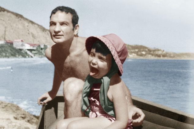 שייקה אופיר עם בתו (צילום: אוסף פרטי - אוהלה הלוי)