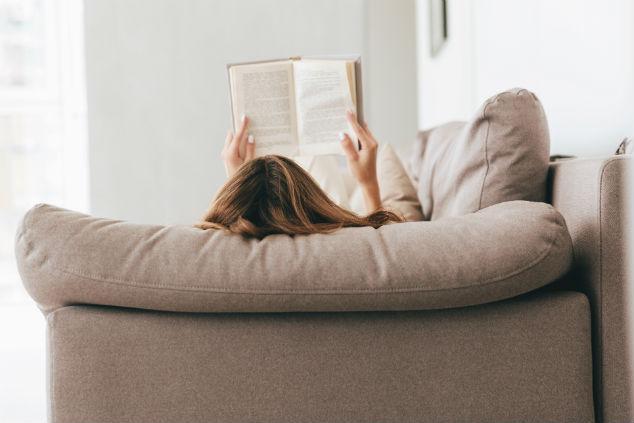ספר (צילום: Shutterstock by DeanDrobot)