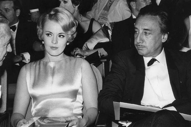רומן גארי צילום Darlene Hammond/Hulton Archive/Getty Images