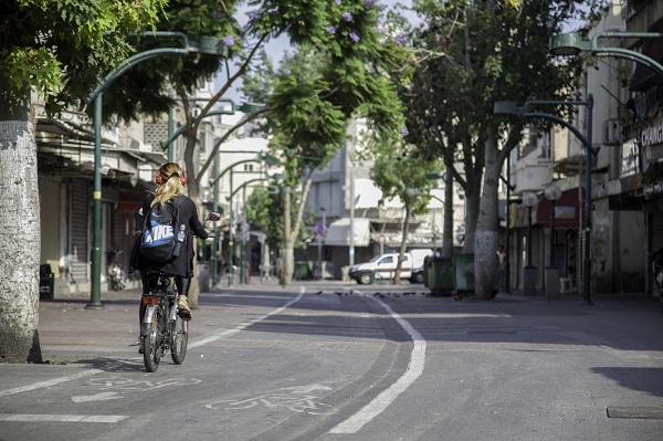 חדש וישן ברחובות של דרום תל אביב (צילום: מנש כהן)