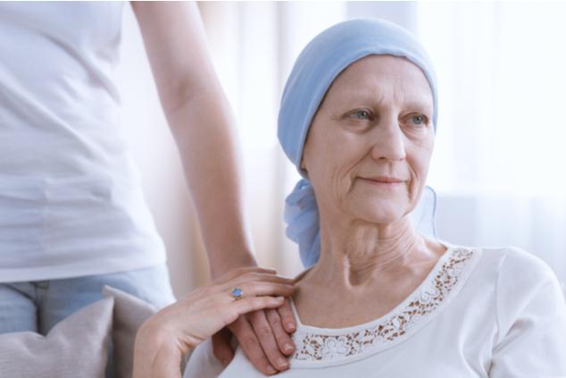 האחות המתאמת מלווה את החולים יד ביד (צילום: שאטרסטוק / Photographee.eu)