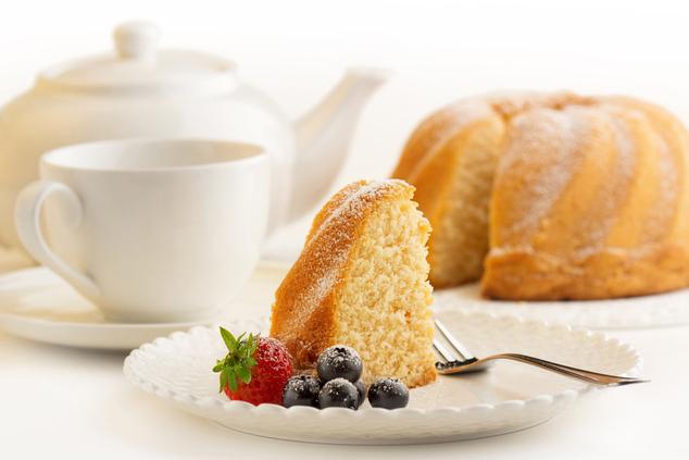 אחרי הצום: תה ועוגה בחושה (צילום: שאטרסטוק / paulista)