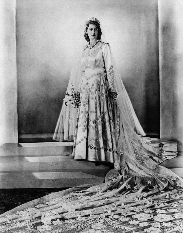 המלכה אליזבת ביום חתונתה צילום יחצ