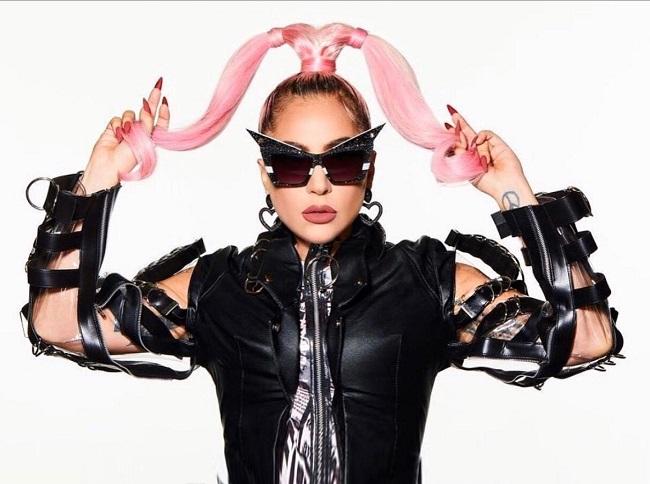 ליידי גאגא לובשת זקט דמוי עור של המעצב אלון ליבנה פברואר 2020 צילום יחצ חול