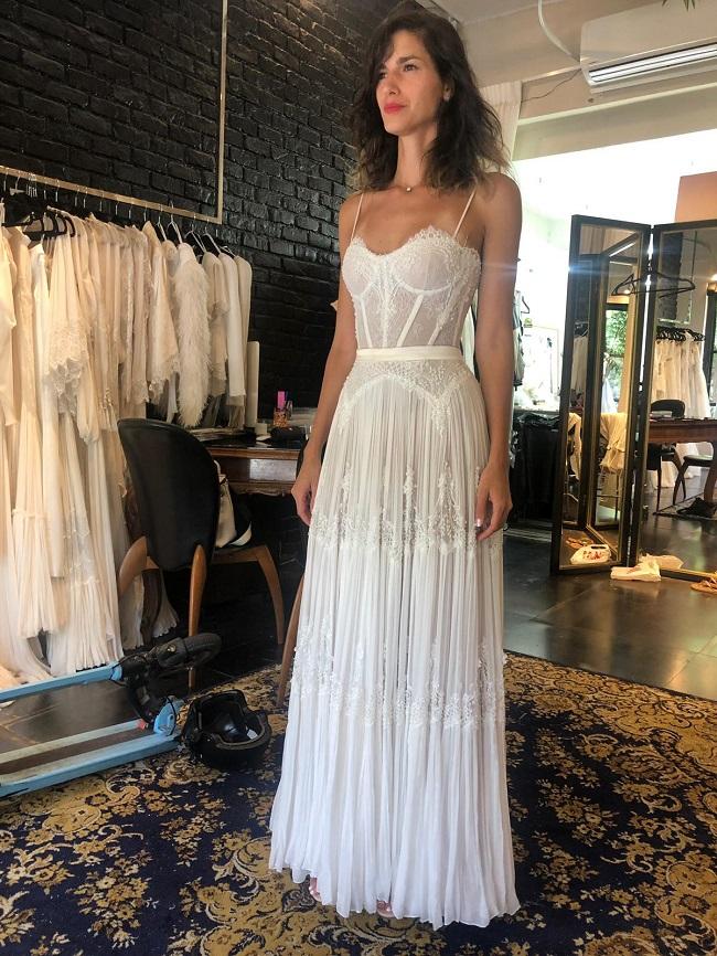 הדר ברייר בשמלה כלה בסטודיו של אריאל טולדנו צילום יחצ מאושר לשימוש
