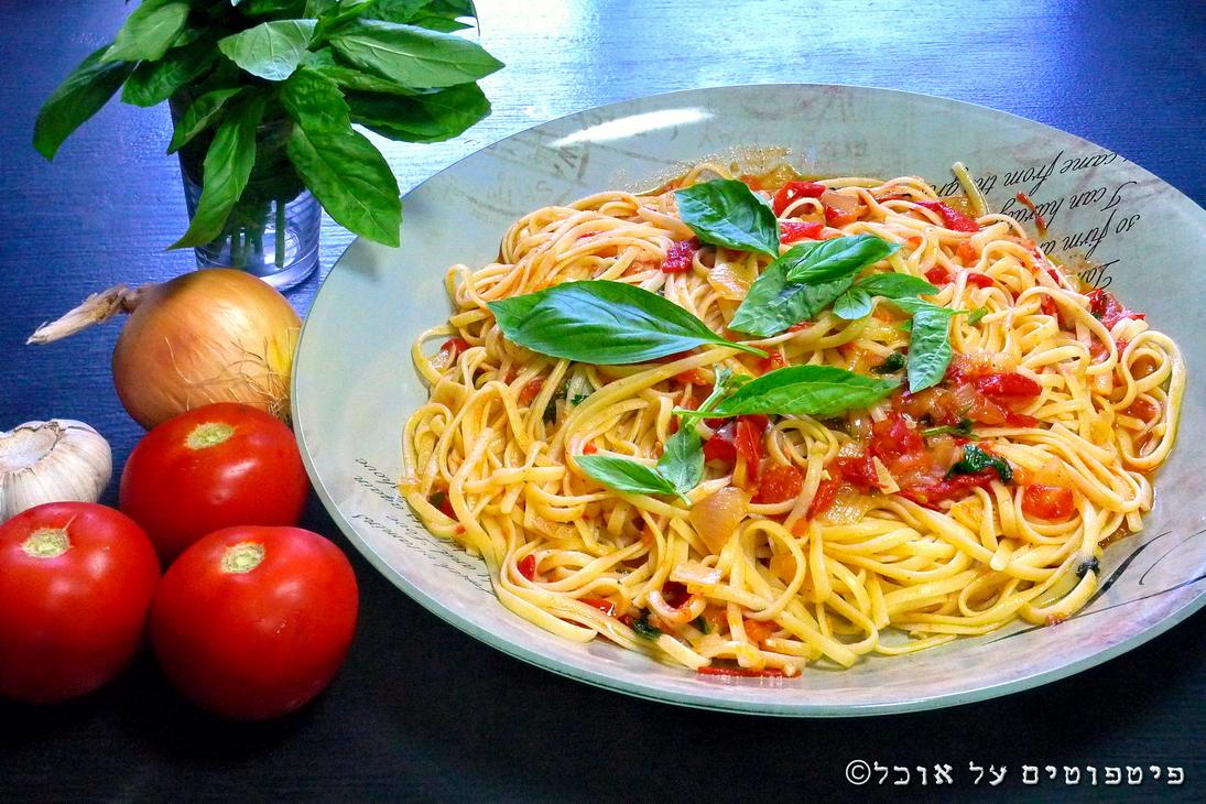 פסטה ברוטב עגבניות טריות