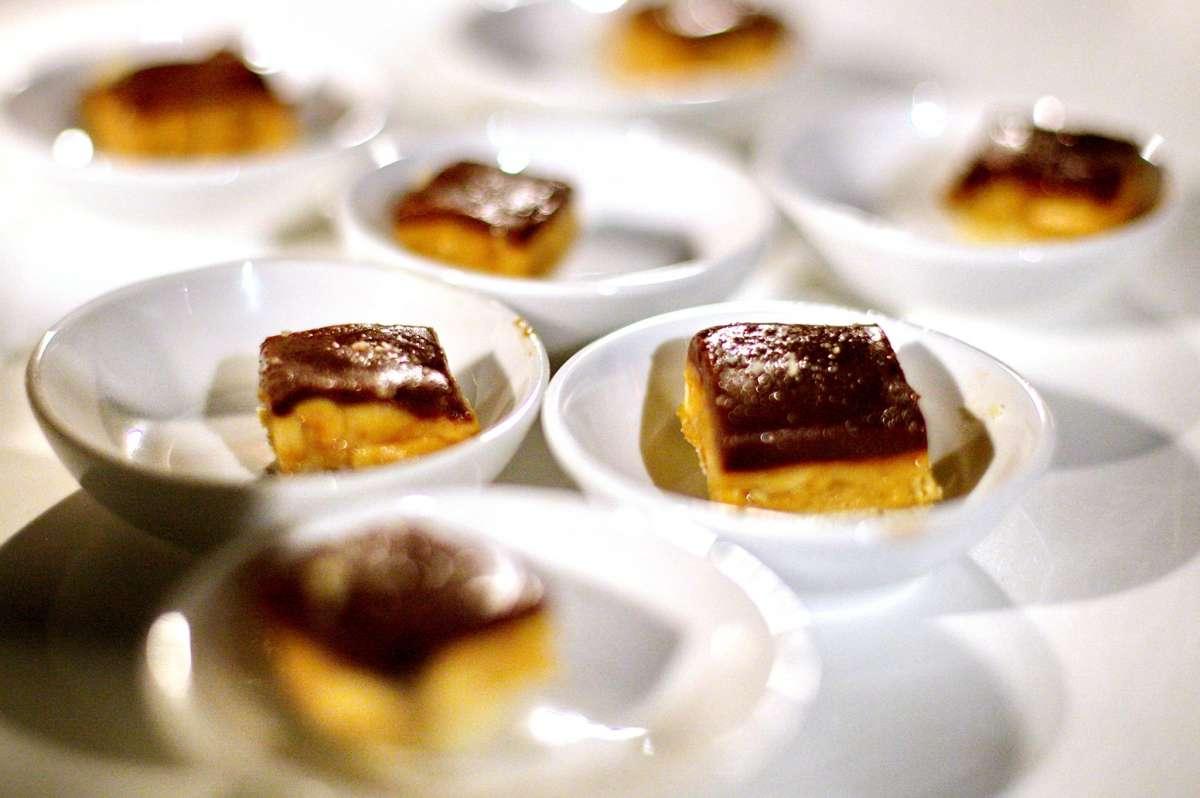 עדי קאופמן עוגת גבינה אפויה רטרו צילום: גל פלוטניקוב