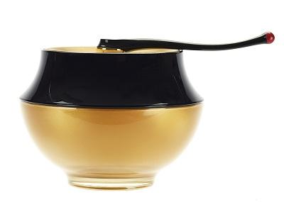 OR ROUGE Creme   אור רוז של איב סאן לורן קרם פנים מחיר 1900 שח  צילום ניקולה ורנר & spatula
