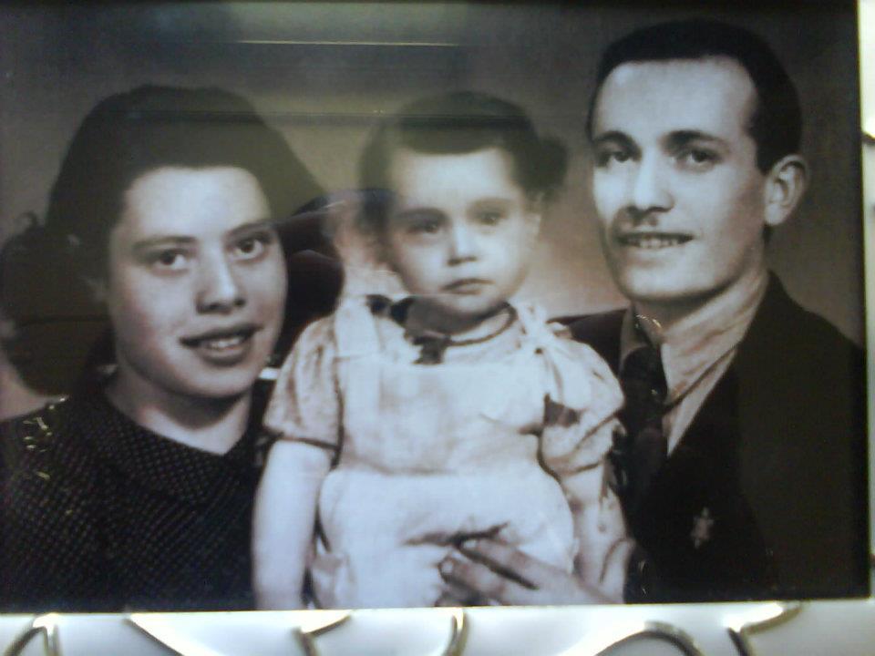 אמא והסבים בשואה