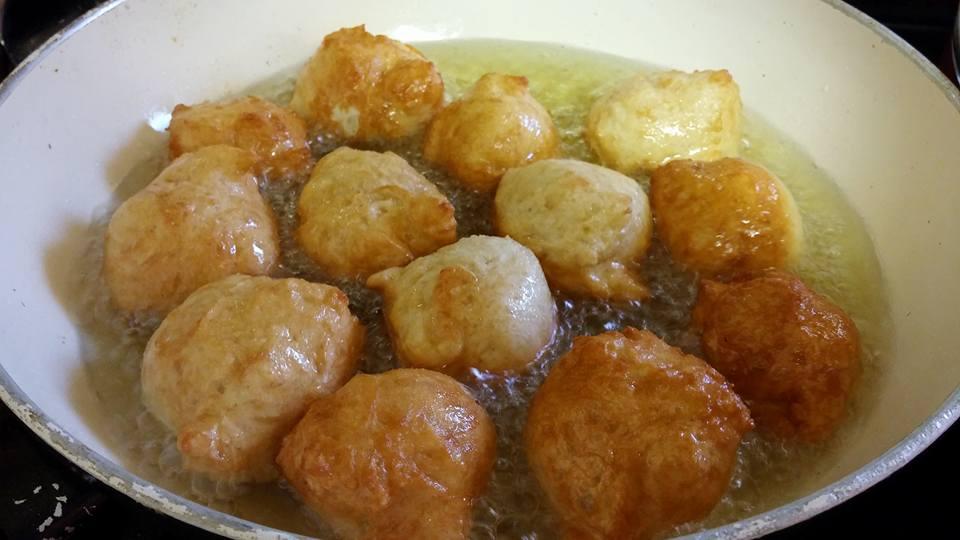 כדורי בצק מתוקים בשמן