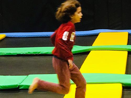 כשהבנים שלי אומרים לי לקפוץ, אני שואלת כמה גבוה (צילום: לירון פיין)