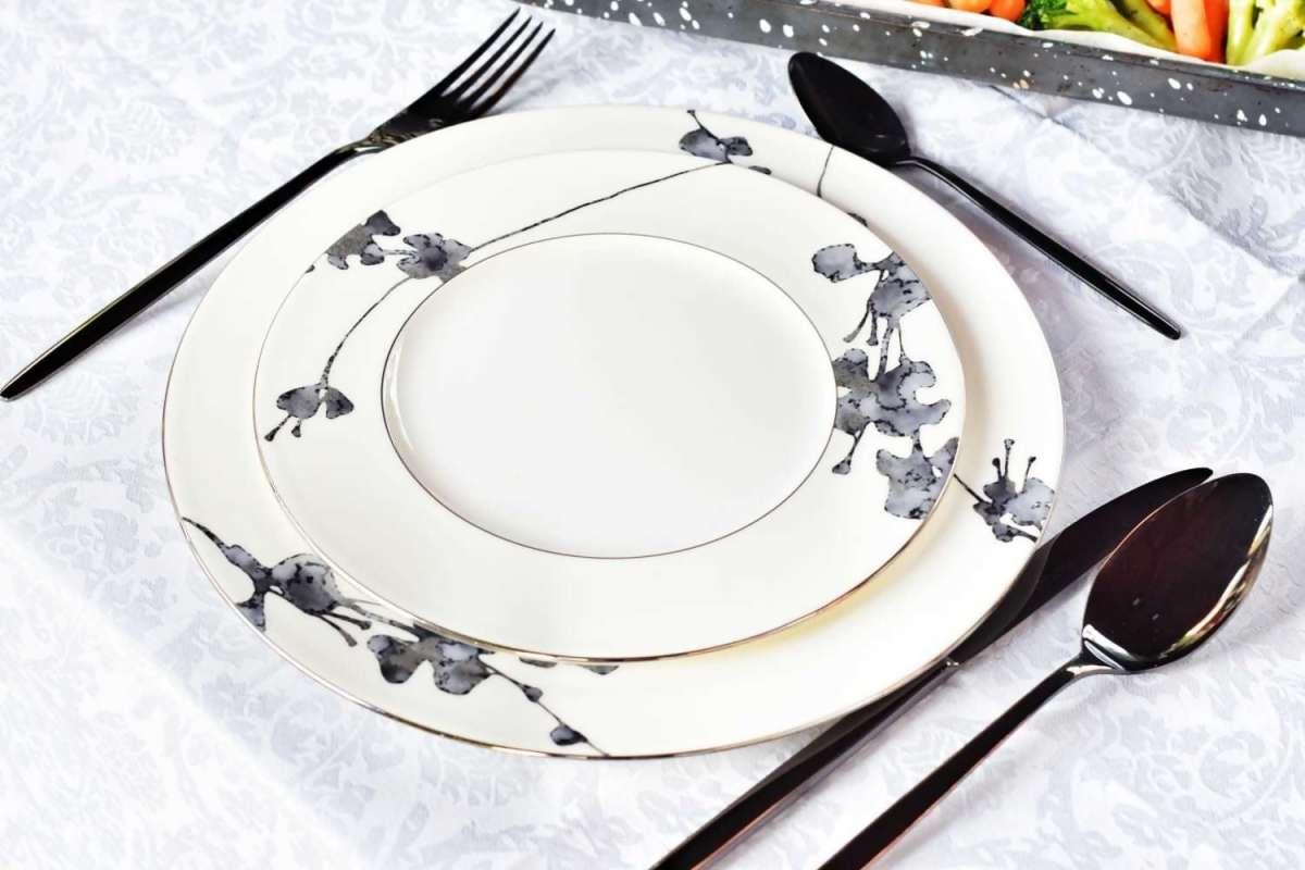 סט צלחות 2 חלקים פורצלן bone china דגם montrmartre צילום: פני רבינוביץ
