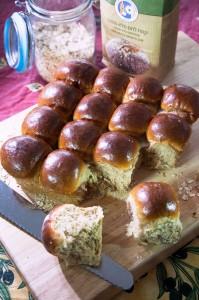 לחמניות מקמח לחם מלא.100% צילום - מנחם גרייבסקי
