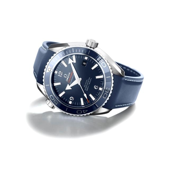 40975שח שעוני אומגה קרדיט יחצ חול טרנד הצבע הכחול (2)