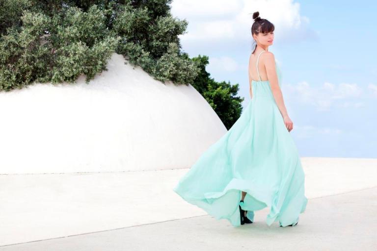 שמלה של חלי לנדסמן, 150 שח במקום 299 שח, להשיג ביריד Holiday Trends (8.9-9.9), זובולון המר 4 גבעת שמואל, צלם ענבל מרמרי