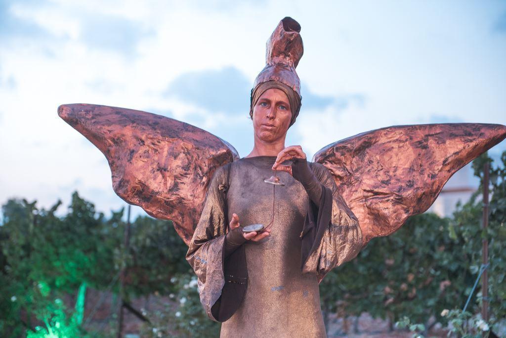 פסטיבל חוויה פסלים חיים בפסטיבל בכרם צילום רונן חורש - במועצה אזורית גזר (8)