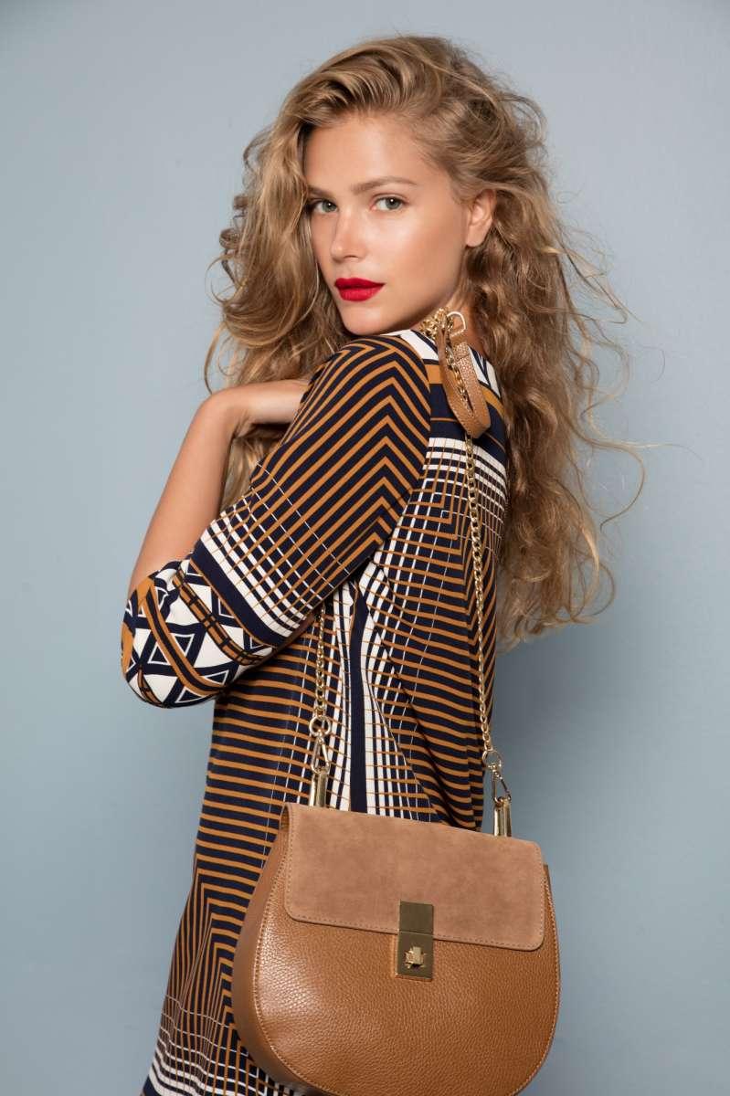 גולברי מחיר שמלה 199.90 שח תיק 239.90 שח צילום  יניב אדרי (1)