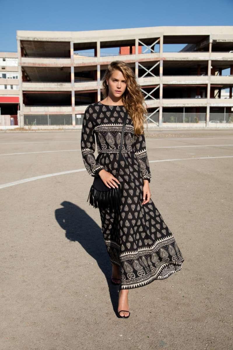 גולברי מחיר שמלה 399.90 שח תיק 219.90 שח צילום יניב אדרי  (