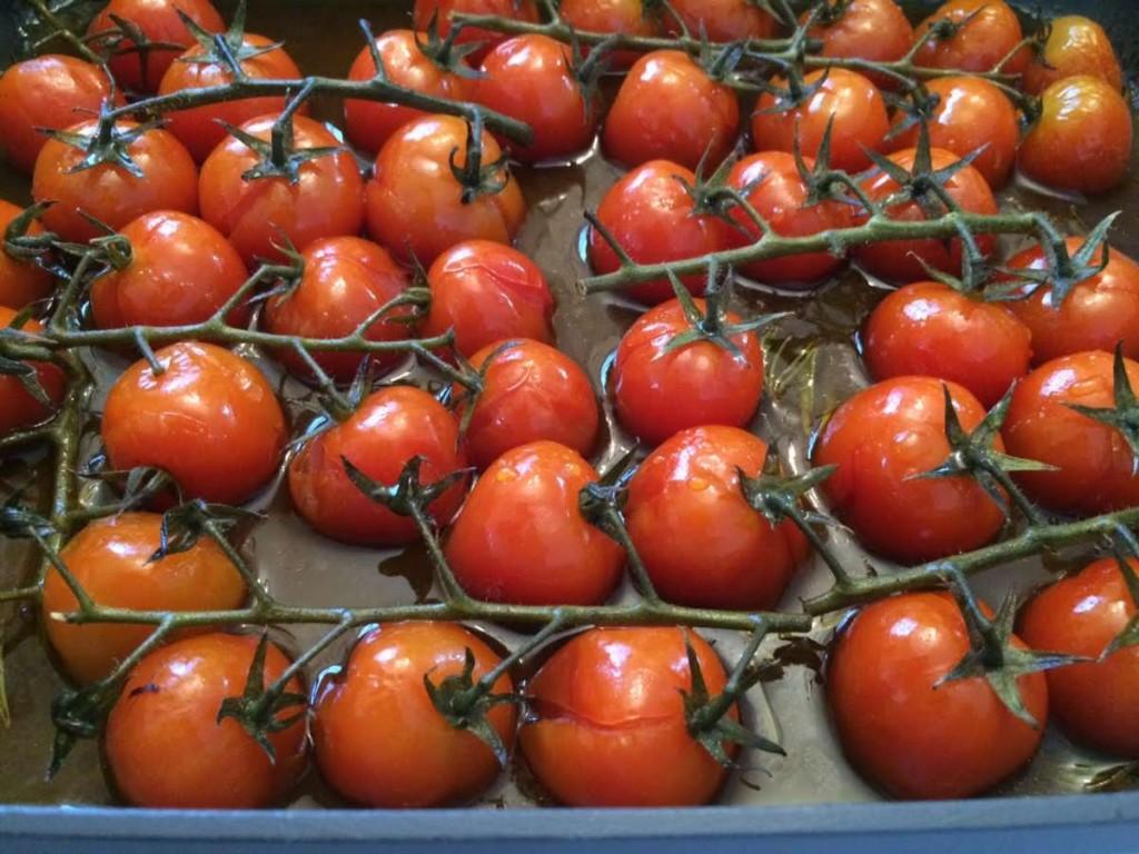 עגבניות צלויות ומקורמלות