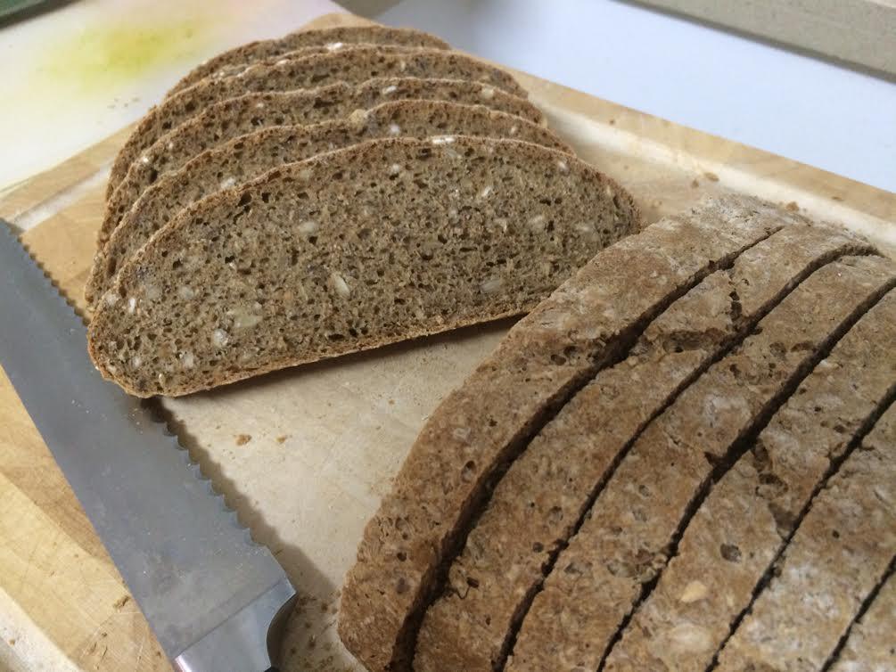 לחם הבית גרעינים - פרוס 2