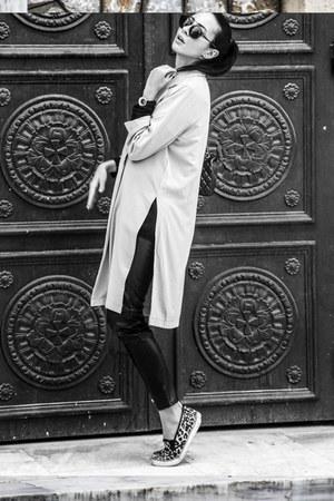 long-line-ax-paris-jacket-zara-sweater-chanel-bag-lgr-sunglasses