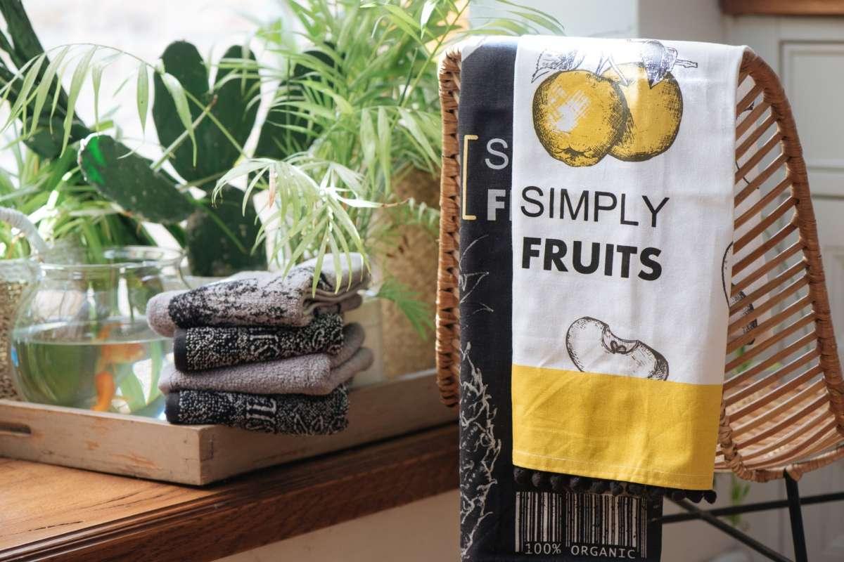 מגבת מטבח פרש מרקט תפוח של ורדינון צילום גלעד רדט (2) - עותק - עותק