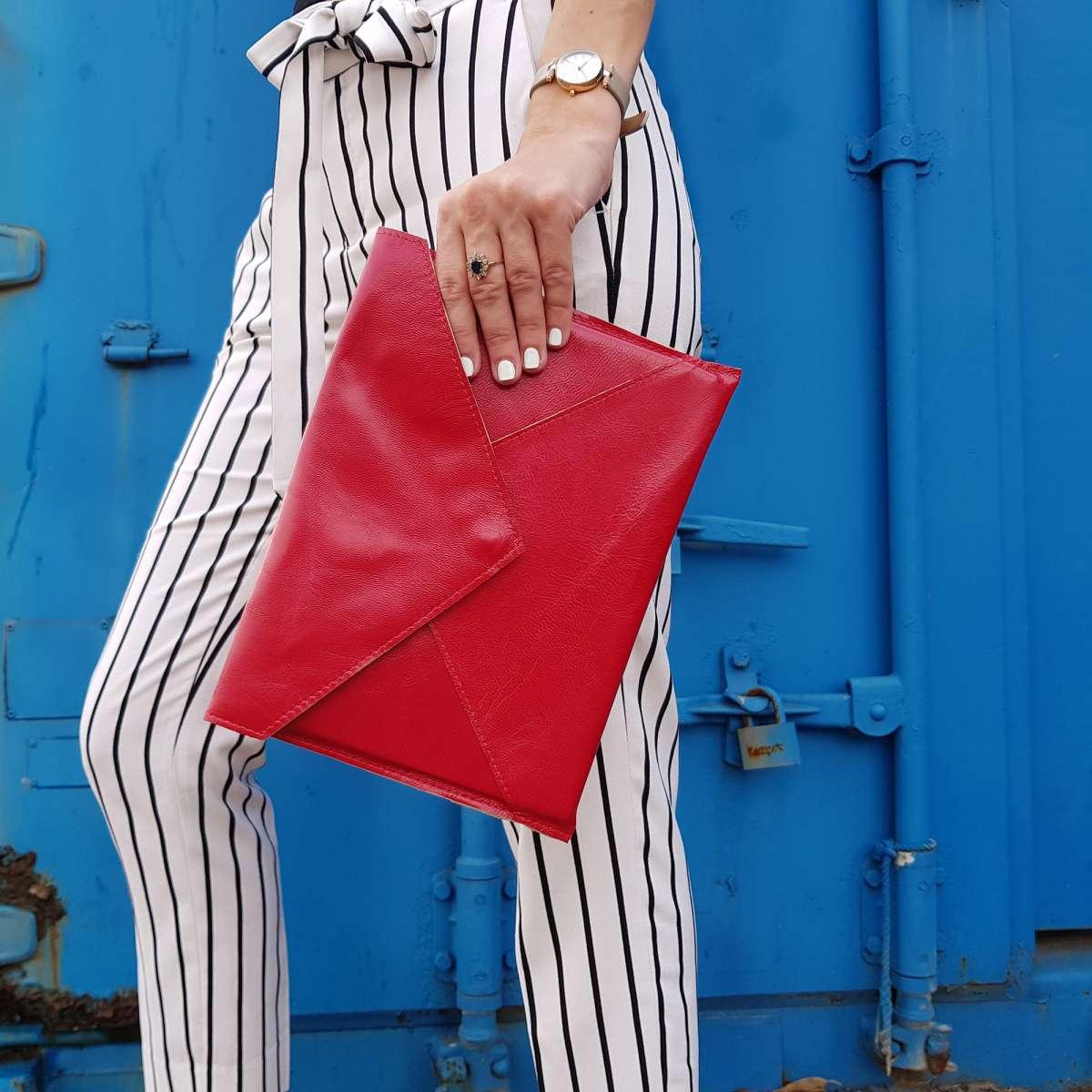 קלאץ עור אדום לנשים שייקי מלא בסטייל