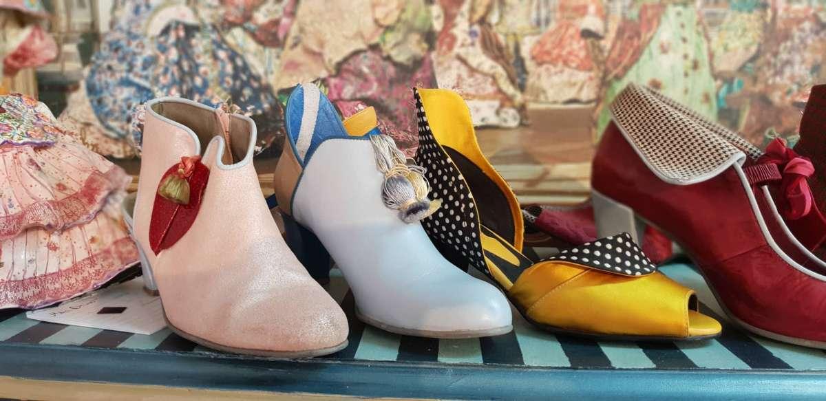 בא לך למדוד הכול , מיקב דרימר אומנית נעליים