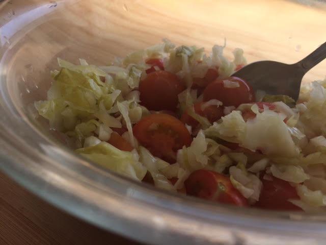 עגבניות שרי וכרוב כבוש